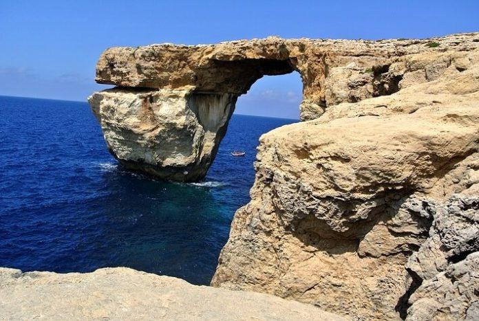 Book a cheap flight from London to Malta or Cagliari
