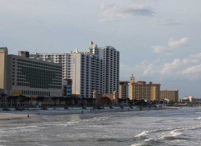 Cheap Daytona Beach Florida hotels ocean front
