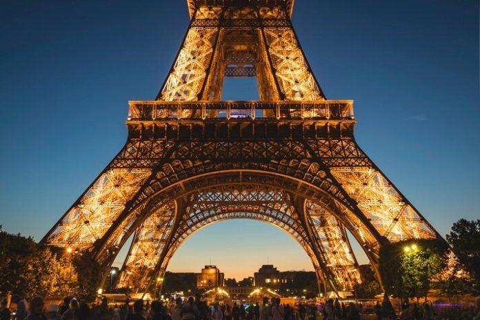 Flash sale on Jet Airways return flights from India to Amsterdam & Paris