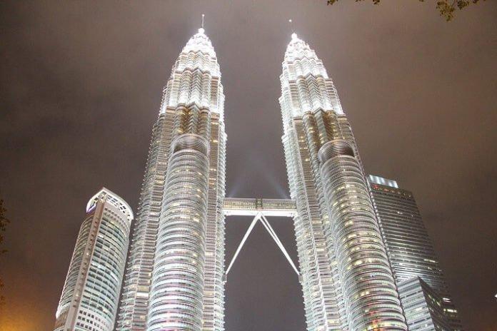 4&5 star Kuala Lumpur Malaysia hotels under $100/night