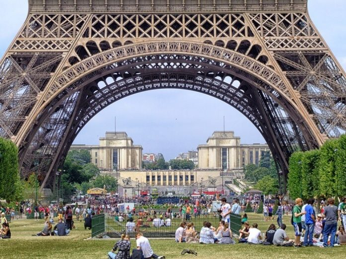 Promo code for hop on hop off bus tour in Paris France