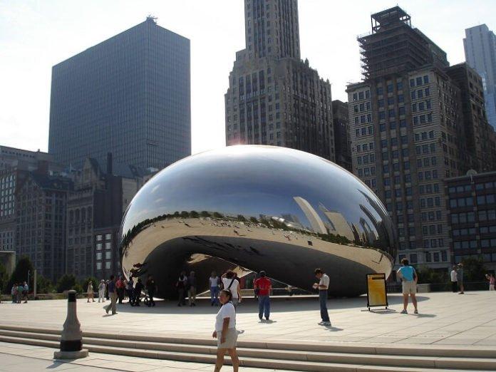 Chicago Illinois hop on hop off tour promo code save money Shedd Navy Pier Millenium Park Wrigley Field