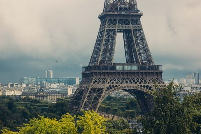 Cheap roundtrip flights to Paris starting at $340.98 from St. Louis, Cincinnati, Cleveland, Chicago