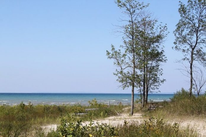 Top 10 Wasaga Beach hotels 2 hours from Toronto