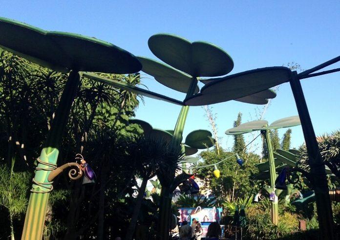 Win Disneyland & California Adventure park hopper tickets, Disney studios tour, flight to LA