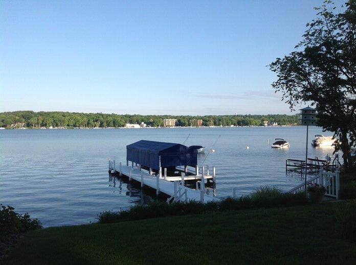 3&4 star Lake Geneva, Wisconsin hotels under $100/night