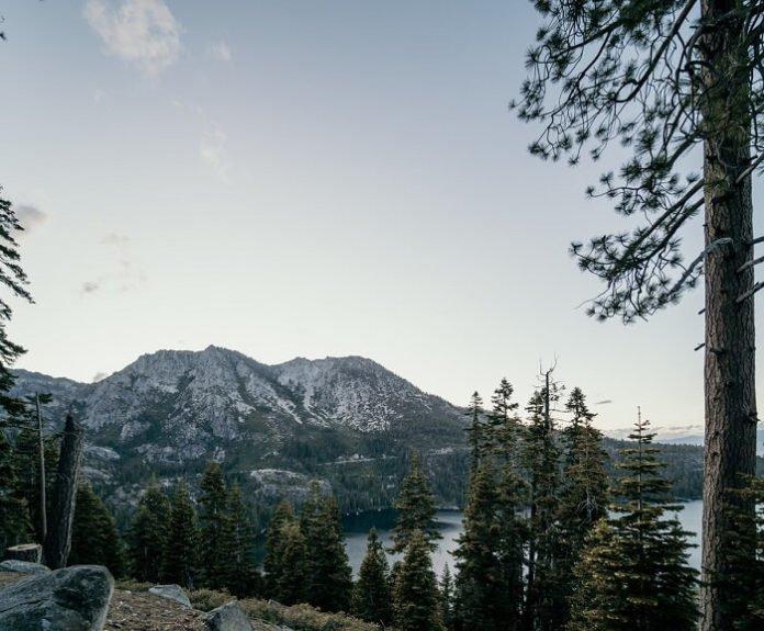 Lake Tahoe Harrah's Casino discounted nightly rate