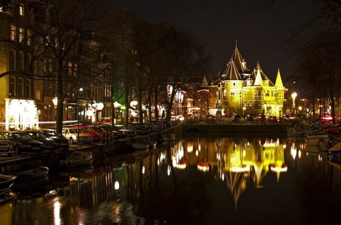 Top 10 Amsterdam Netherlands luxury hotels with spa