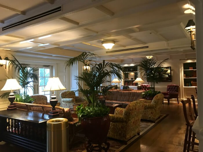 Beautiful lounge area with 1940s theming at Disney world resort
