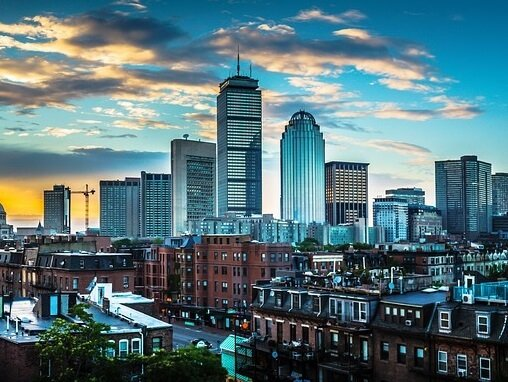 Special offers & packages at centrally located Loews Boston hotel