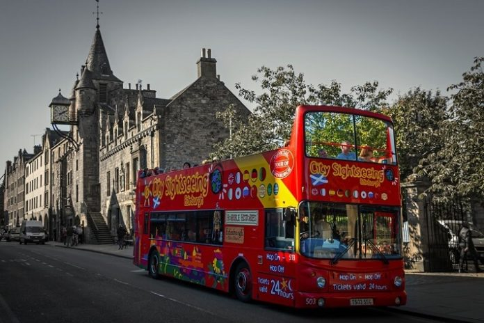 Discount code for hop on hop off bus tour in Edinburgh Scotland