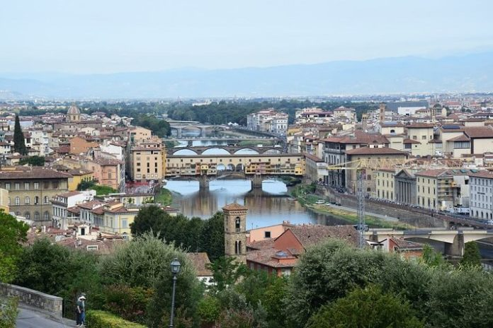 5-star luxury Florence Italy resorts with spas with great reviews