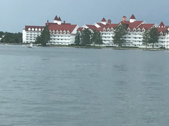 Save $45 on guided watercraft tour in Orlando around Seven Seas Lagoon & Bay Lake