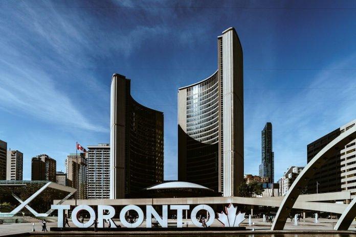 Top 10 Toronto hotel Sandman Diamond Vacation Shangri-la Pantages