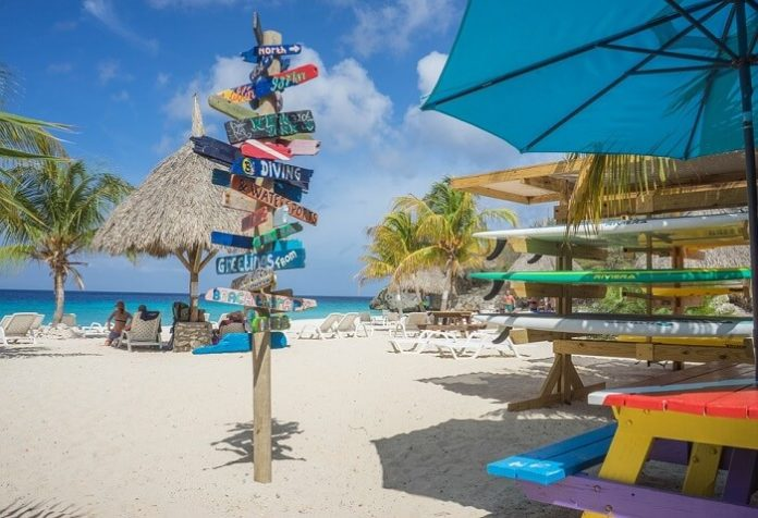 Enjoy Caribbean beaches & Save up to 25% on Curacao hotels