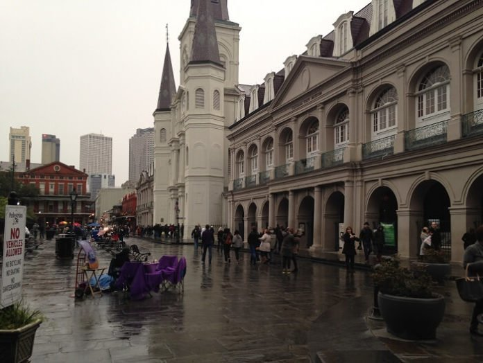 Promo code for hop-on, hop-off bus tour in New Orleans Louisiana