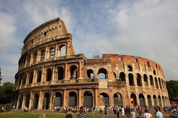 How to spend 1 day in Rome Italy & save money see Colosseum, Vatican