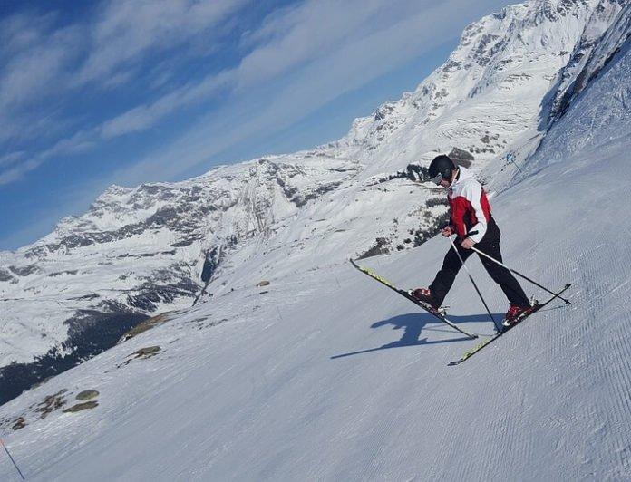 4 ways to save at Sauze D'Oulx Italy ski resort free kids discounted senior passes