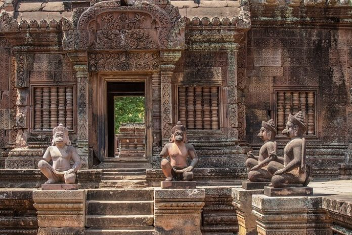 Top 15 luxury hotels in Siem Reap Cambodia near Angkor temples
