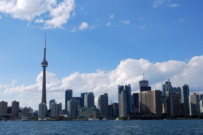 Discount price for Toronto Harbour Tour sightseeing deal