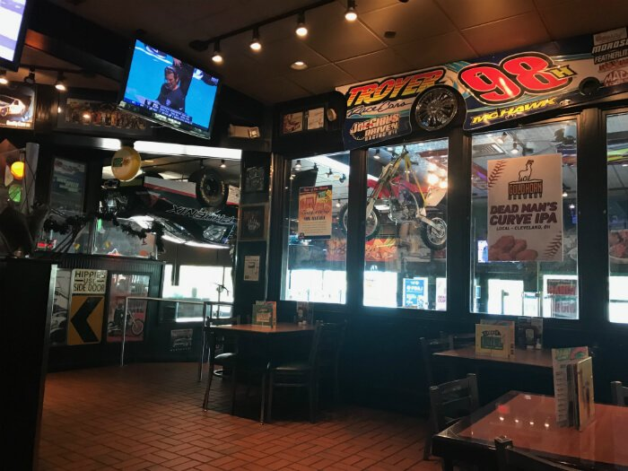 Quaker Steak and Lube interior in Sandusky with car theming
