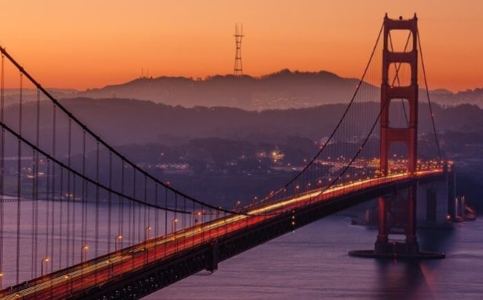 How to save money on Fairmont San Francisco in Nob Hill