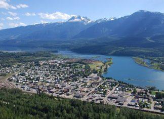 Revelstoke British Columbia hotel deals up to 25% off