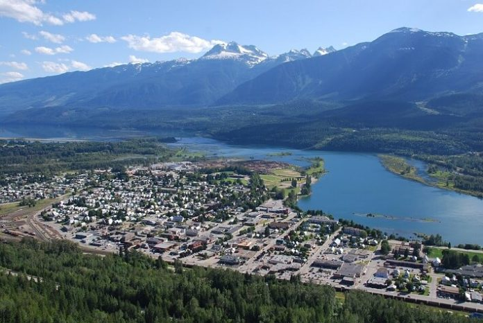 Revelstoke British Columbia hotel deals up to 25% off