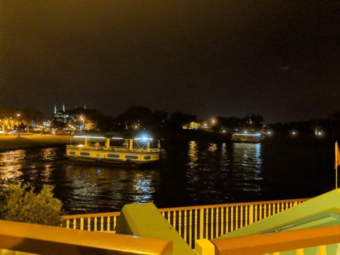 boat transportation from Disney's Saratoga Springs Resort & Spa to Disney Springs