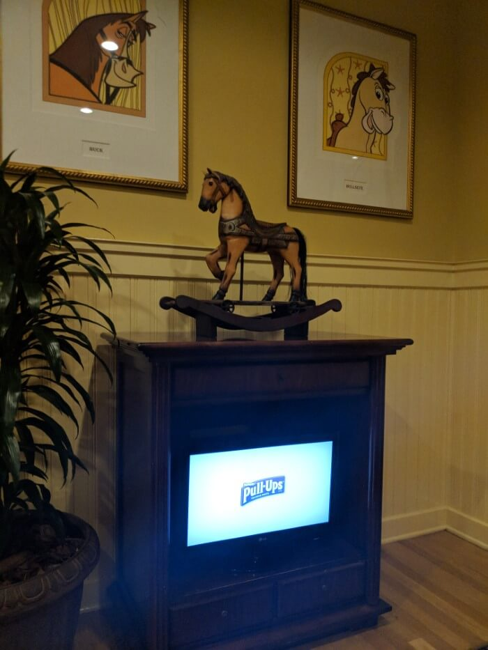 The horse race theme at Disney's Saratoga Springs is evident in artwork