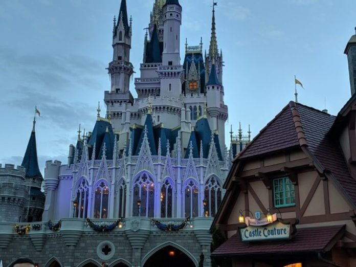 How to save money on Disney World trip (flights, tickets, hotel) with Black Friday & Cyber Monday sales
