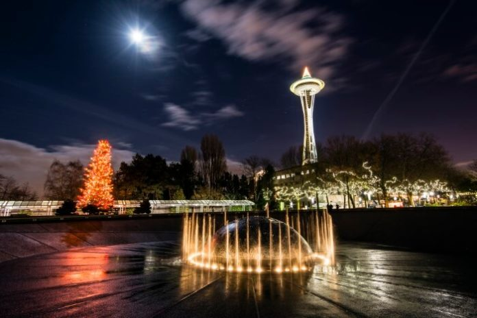 Save on Seattle Holiday Lights & Lore Tour