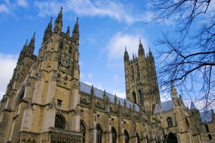 Enjoy Christmas service, Christmas lunch & more during Rochester, Dover, Canterbury tour from London