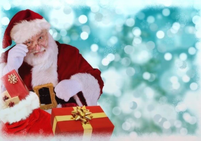 Save money on holiday vendor craft with Santa photos at Bolingbrook Golf Club in Chicago