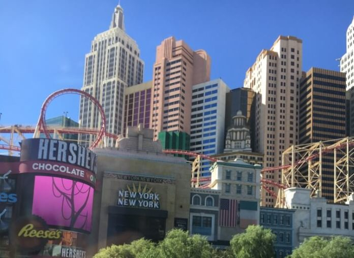 Sale on flights from Seattle to Las Vegas & casino resorts like Excalibur, MGM, New York, Luxor