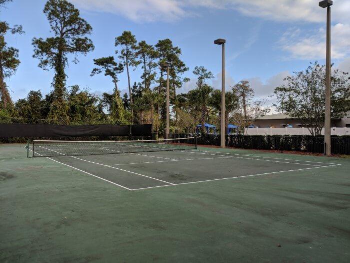 Tennis court at Wyndham Lake Buena Vista at Disney Springs area