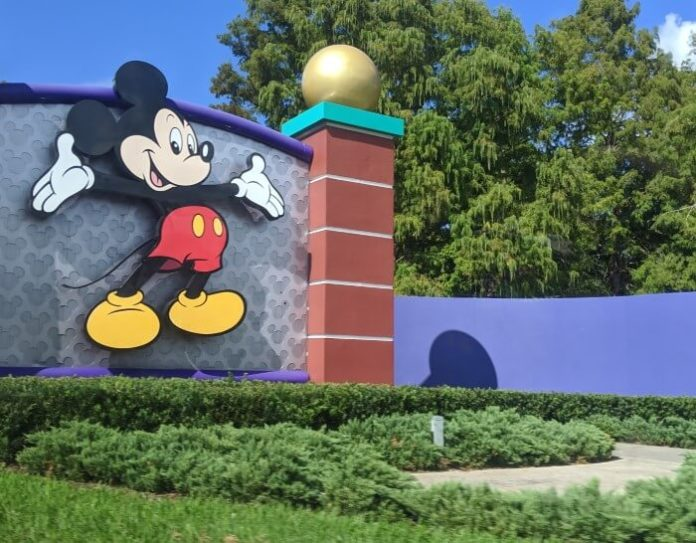 Orlando Florida getaway hotel deals near Disney, Universal, etc.