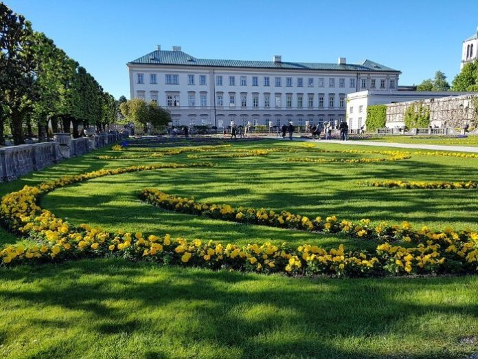 How to get best price for Sound of Music Tour in Salzburg Austria