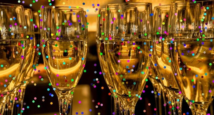 Save money on rooftop NYE party in Gaslamp District of San Diego California