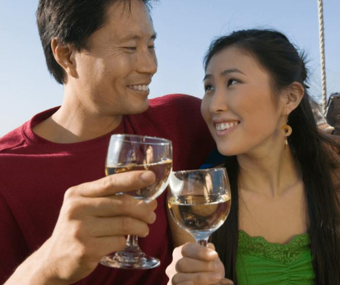 Discount tickets to romantic Valentine's cruise in Boston Massachusetts