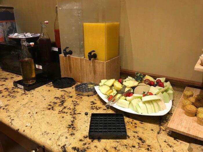 Charleston West Virginia area casino hotel gives customers free breakfast