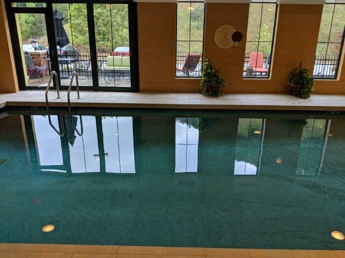 Mardi Gras Casino Resort has great features like indoor swimming pool