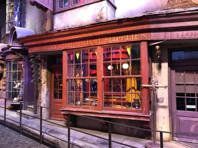 How to book a Golden Tours Harry Potter ticket