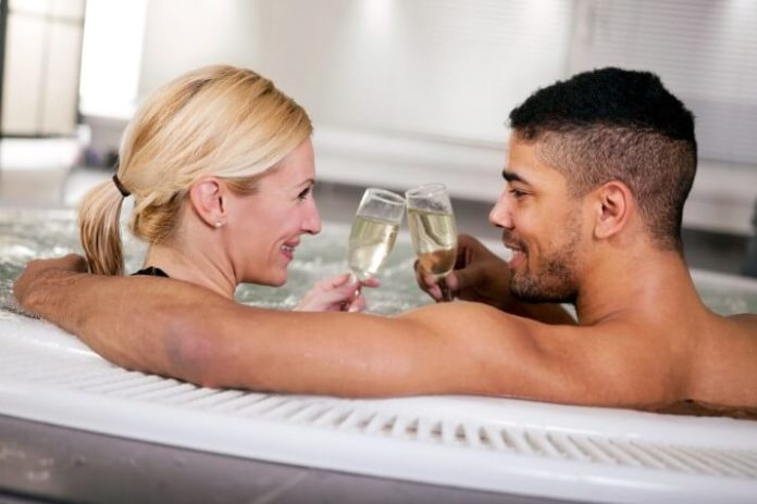 Hotels in Vermont that are great for romance & have hot tubs