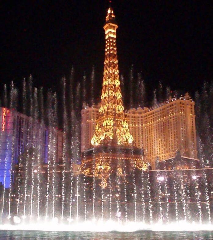 Special offers for romantic Valentine's trip to Paris Las Vegas