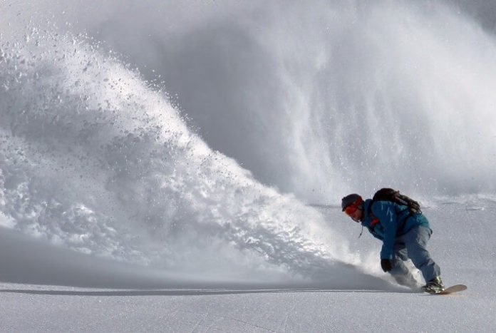 Enjoy bus from St. Paul & Minneapolis to skiing & snowboarding with learn to ski package