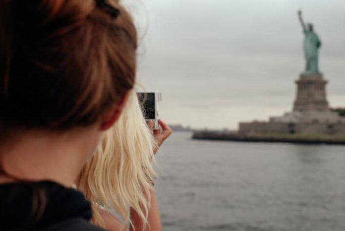 Travel hacks get 40% off New York City sightseeing cruises