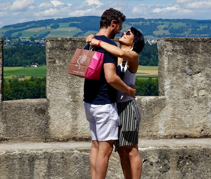 Valentine's Day Flash Sale discounted prices for romantic getaways