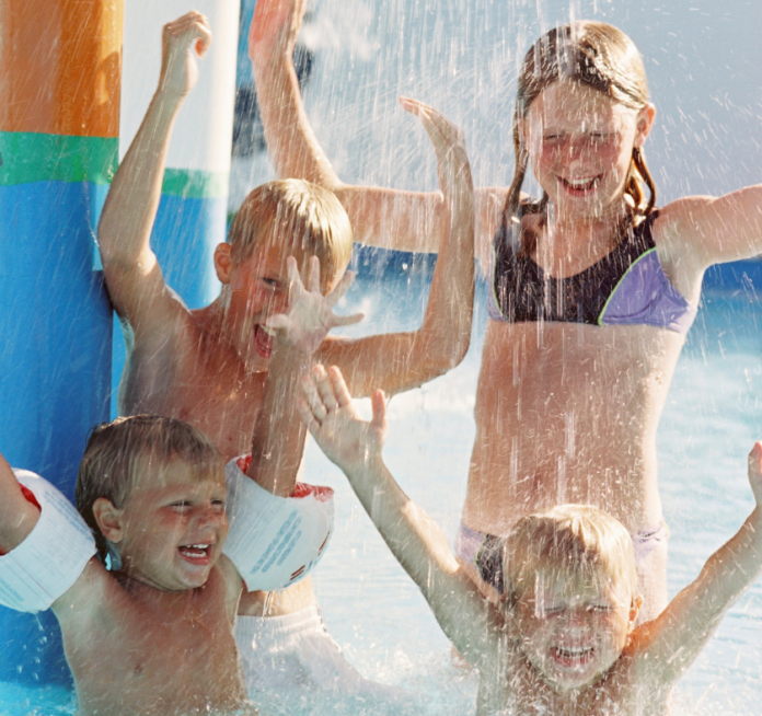 Great family travel destination Branson Missouri hotels with waterparks