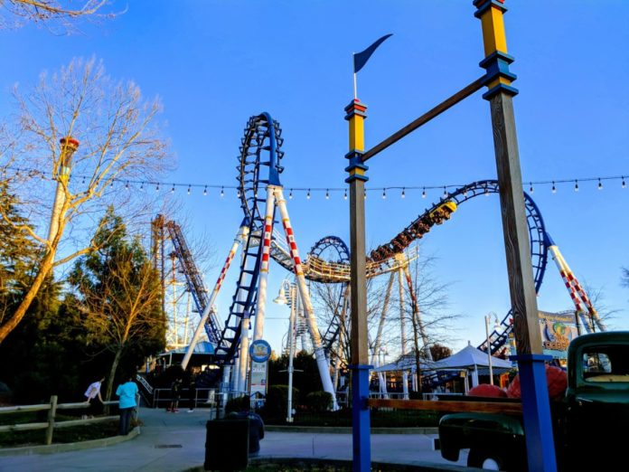 Picture of family friendly Carowinds amusement park in North & South Carolina. Find out how to get a good deal on nearby hotels.